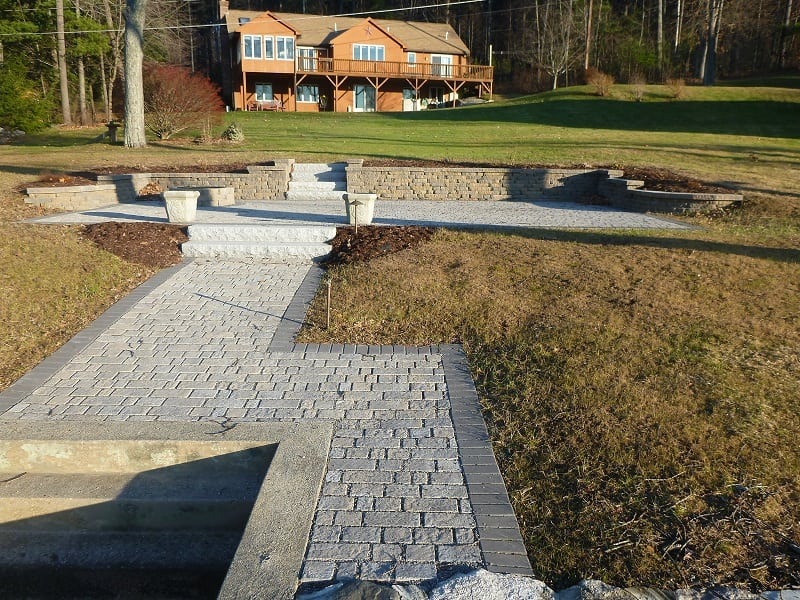 LAKEFRONT PERMEABLE PATIO