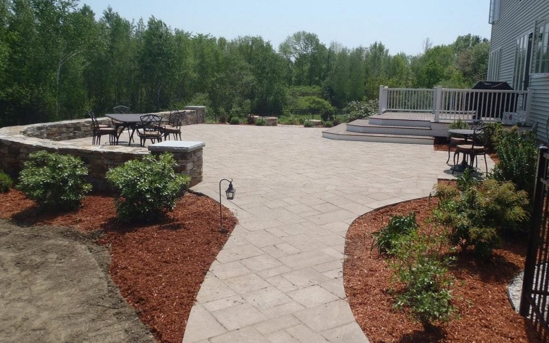 1400 SQUARE FOOT TECHO-BLOC PATIO